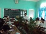 Sinh hoạt chuyên đề quản lý và chuyên môn tại trường Nguyễn Khuyến
